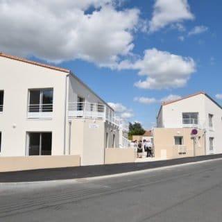 Mixité, densification, revitalisation de centre-bourg, solidarité ... ce programme de 8 logements à L'Herbergement montre sa singularité