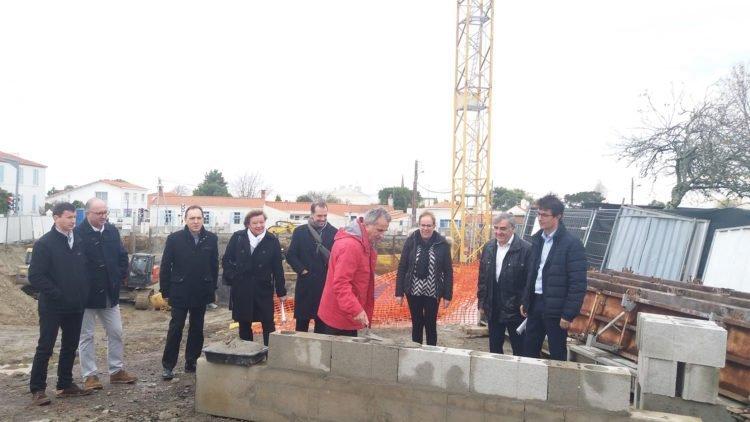 Pose de première pierre des logements à Saint-Hilaire-de-Riez