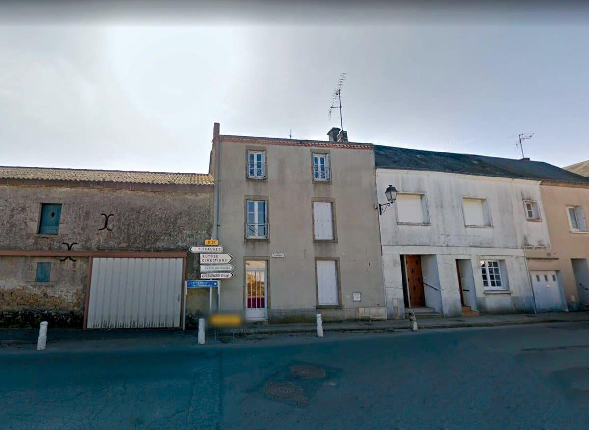 Les Landes Genusson maison de bourg à vendre