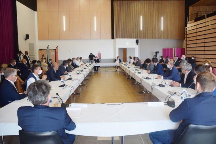 Table ronde sur le manque de logements en Vendée